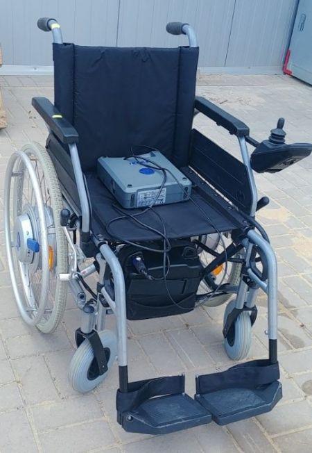 wózek inwalidzki z erekcją